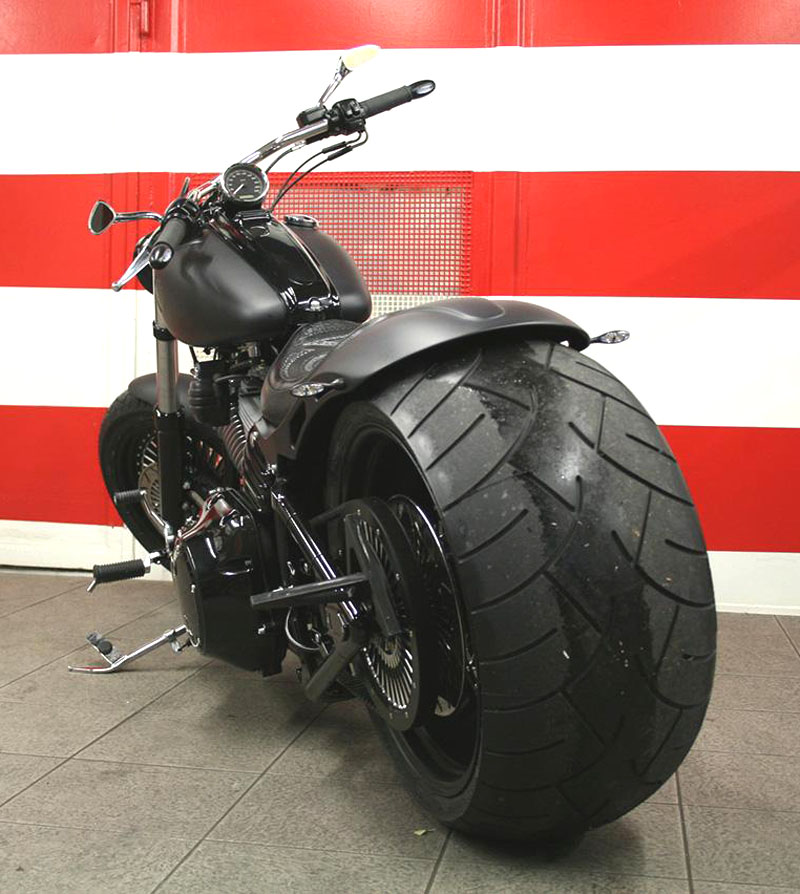 300 tire swingarm for harley rocker