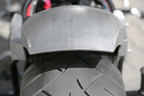 tb-r round fenders for rocker and breakout models 2
