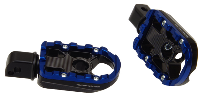 footpegs wheelie for passenger on Milwaukee Eight softail – blue