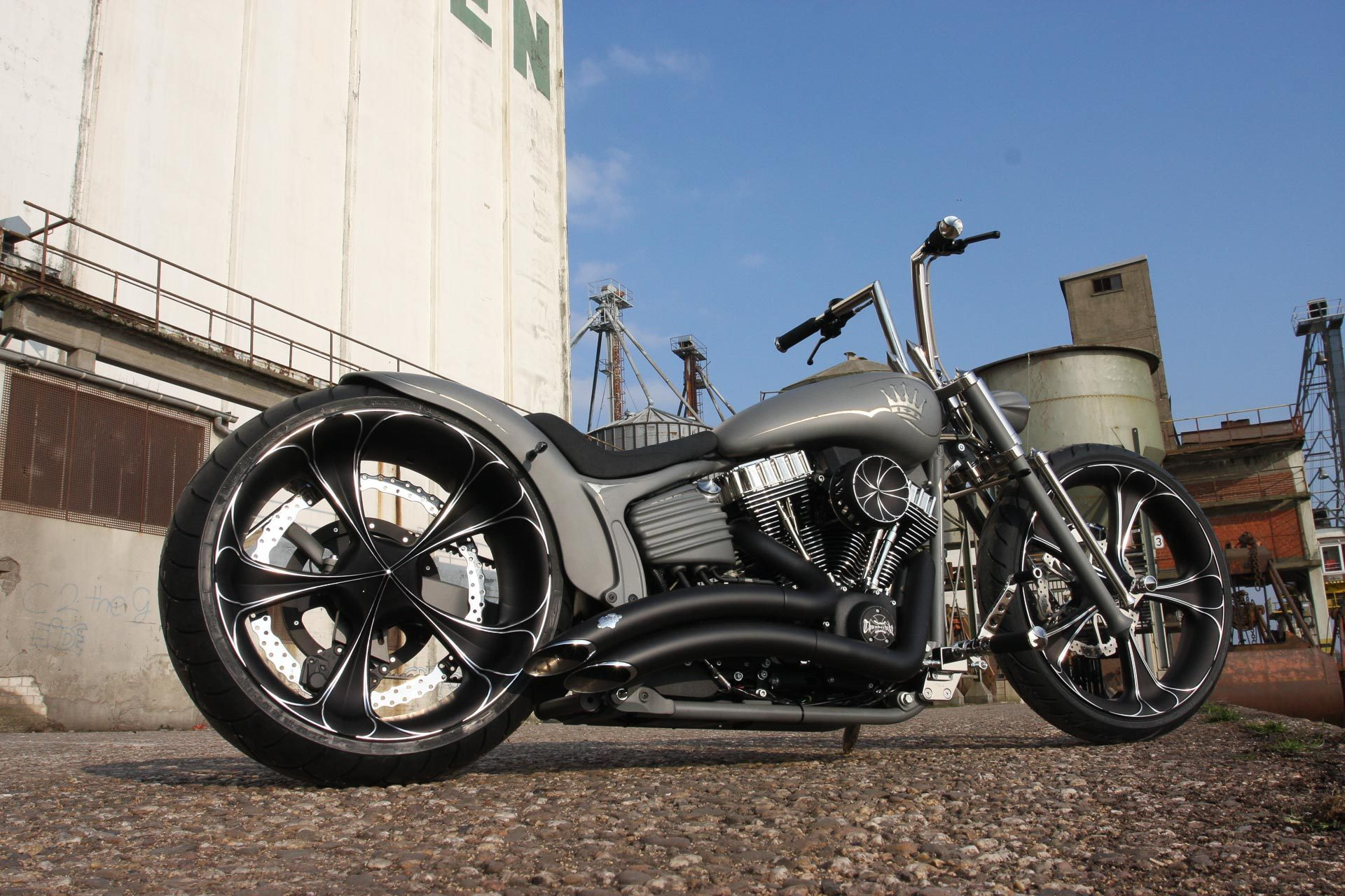 custom parts for harley-davidson rocker c